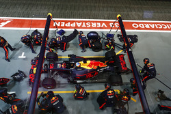 Daniel Ricciardo, Red Bull Racing RB13 au stand