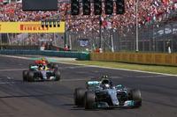 Valtteri Bottas, Mercedes AMG F1 W08, Lewis Hamilton, Mercedes AMG F1 W08, Max Verstappen, Red Bull Racing RB13