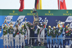 Podium: 1. Timo Bernhard, Earl Bamber, Brendon Hartley, Porsche Team; 2. Ho-Pin Tung, Oliver Jarvis, Thomas Laurent, DC Racing; 3. Mathias Beche, David Heinemeier Hansson, Nelson Piquet Jr., Vaillante Rebellion Racing