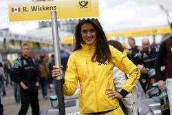 Gridgirl für Robert Wickens, Mercedes-AMG Team HWA, Mercedes-AMG C63 DTM