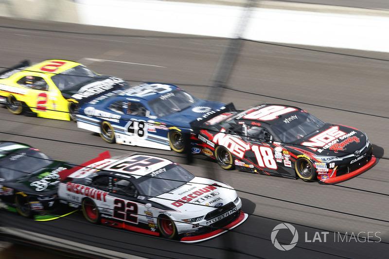 Joey Logano, Team Penske Ford Kyle Busch, Joe Gibbs Racing Toyota
