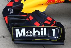 Red Bull RB13, ala anteriore