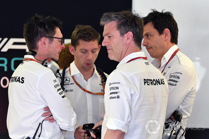 Andy Shovlin, Mercedes AMG F1 W08, James Allison, Mercedes AMG F1 W08 y Toto Wolff, Mercedes AMG F1