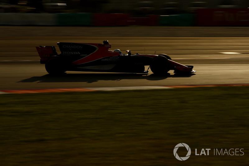 16. Фернандо Алонсо, McLaren MCL32 - 10