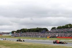 Max Verstappen, Red Bull Racing RB13, Nico Hulkenberg, Renault Sport F1 Team RS17, Sergio Perez, Sahara Force India F1 VJM10