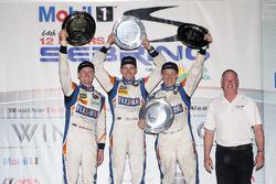 PC-подіум: переможці - Джон Беннетт, Колін Браун, Марк Вілкінс, CORE autosport