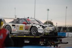 Розбитий автомобіль #911 Porsche Team North America Porsche 911 RSR: Нік Танді, Патрік Піле, Кевін Е