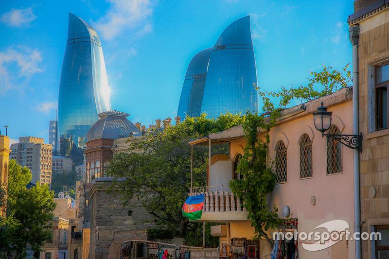 Баку: старе місце та Вогняні вежі