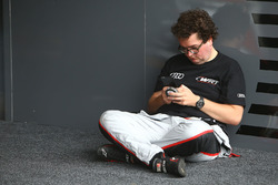 #33 Belgian Audi Club Team WRT Audi R8 LMS GT3: Enzo Ide