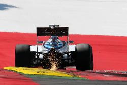 Felipe Massa, Williams FW38 sacando chispas