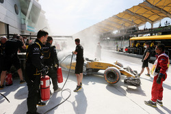 Возгорание машины Кевина Магнуссена, Renault Sport F1 Team RS16