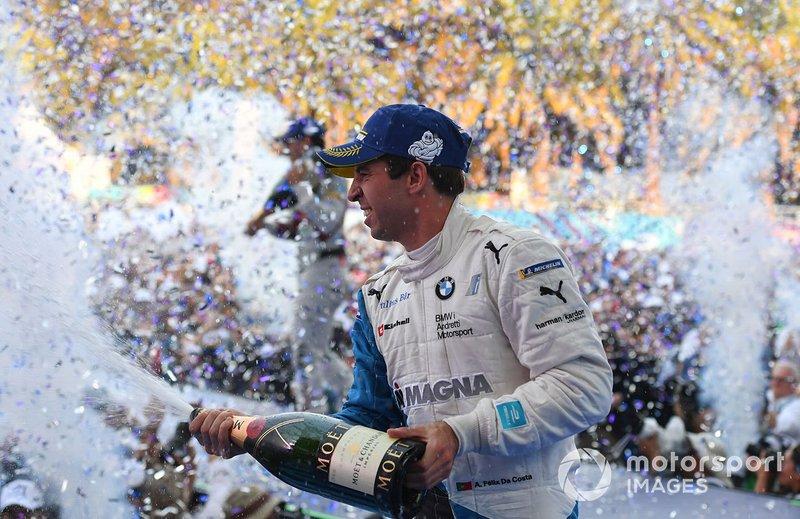 Antonio Felix da Costa, BMW I Andretti Motorsports, 2° classificato, festeggia sul podio