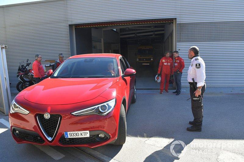 Alfa Romeo Stelvio leaves the Medical Centre