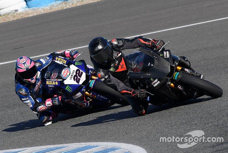 Lewis Hamilton probando la Yamaha Superbike