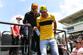 Carlos Sainz Jr., Renault Sport F1 Team on the drivers parade