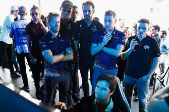 Сэм Бёрд, Virgin Racing, Андре Лоттерер и Жан-Эрик Вернь, DS Techeetah Formula E Team, Робин Фрейнс, Virgin Racing, Оливер Роуленд, Nissan e.dams, и Нельсон Пике-мл., Jaguar Racing