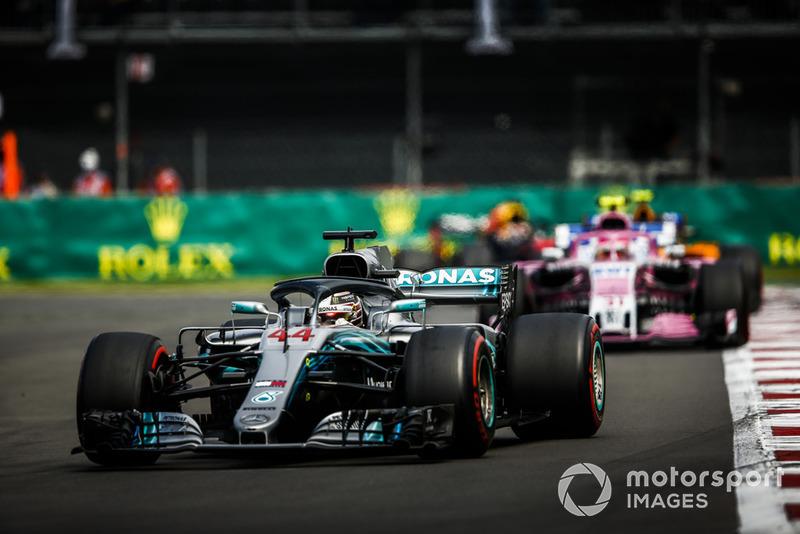 Льюіс Хемілтон, Mercedes AMG F1 W09, Естебан Окон, Racing Point Force India VJM11