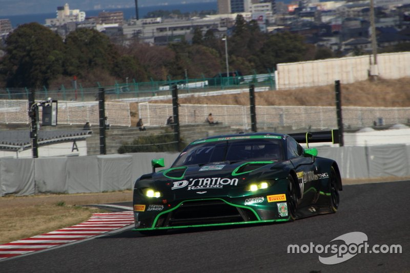 #777 D'station Racing Aston Martin Vantage GT3