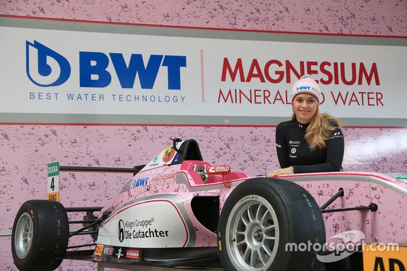 El F4 de Sophia Flörsch de Mücke Motorsport también rodará en 2017 en rosa...