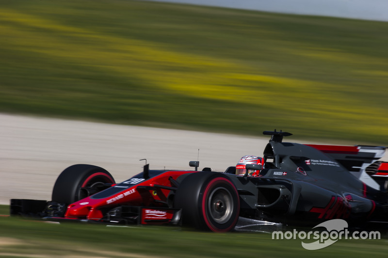 15º Kevin Magnussen, Haas F1 VF-17, 1m20.504s (ultrablandos)