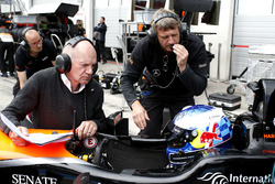 Harrison Newey, Van Amersfoort Racing Dallara F317 - Mercedes-Benz con il padre Adrian Newey