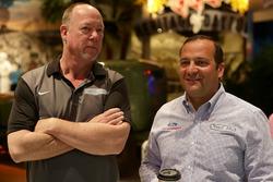 Greg Zipadelli, Stewart-Haas Racing (rechts)