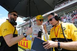Nico Hulkenberg, Renault Sport F1 Team on the grid