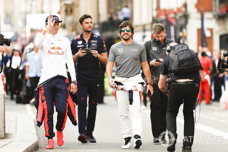 Макс Ферстаппен (Red Bull) і Фернандо Алонсо (McLaren)