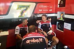 Chaz Davies, Aruba.it - Ducati Superbike, infortunato ai box Ducati