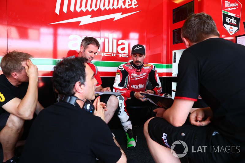 Eugene Laverty, Milwaukee Aprilia, Romano Albesiano