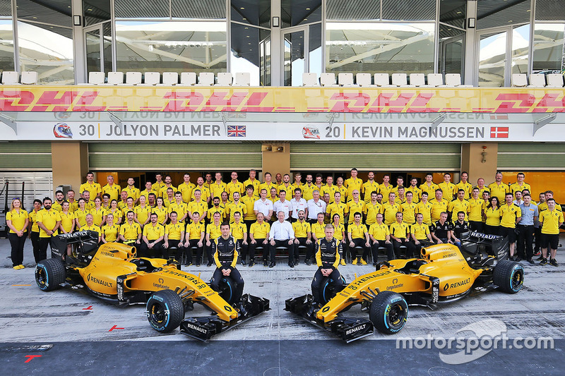 Jolyon Palmer, Renault Sport F1 Team con Kevin Magnussen, Renault Sport F1 Team en una fotografía de