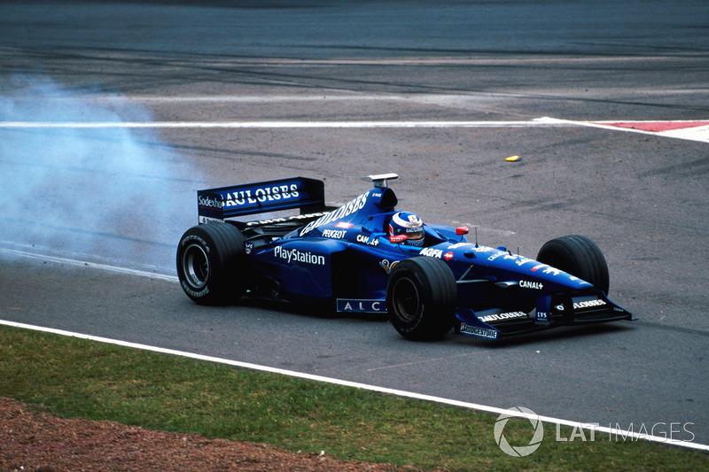 Olivier Panis, Prost Peugeot AP01 motor problemi ile yarış dışı kalıyor
