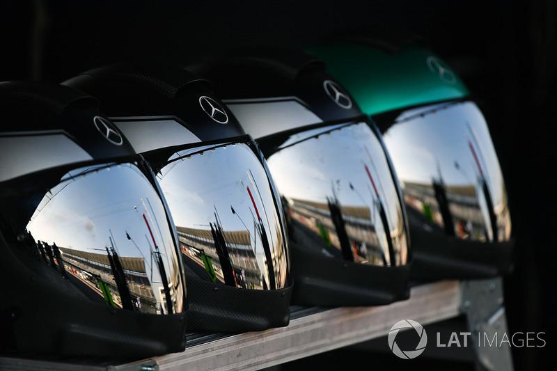 Cascos del equipo Mercedes AMG F1