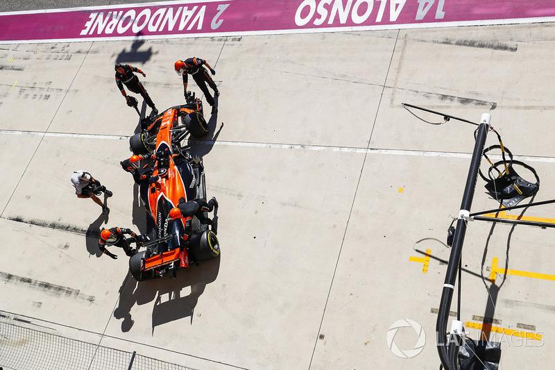 17 місце — Фернандо Алонсо, McLaren — 12