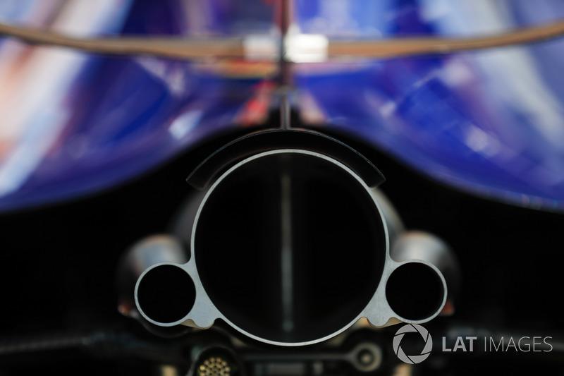 Toro Rosso Honda exhaust detail