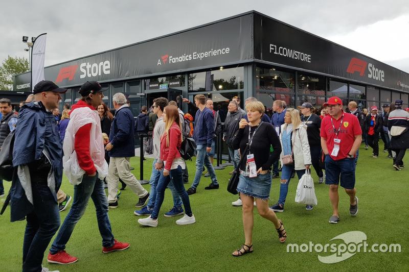 F1 Store: Semua souvenir Formula 1 kini dijual di bawah satu atap
