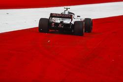 Kevin Magnussen, Haas F1 Team VF-18 se sigue de largo