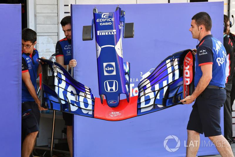 El alerón delantero del Toro Rosso