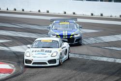 #21 Muehlner Motorsports America Porsche Cayman GT4 Clubsport MR: Gabriele Piana, #1 Blackdog Speed