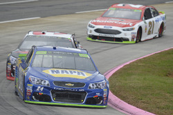 Chase Elliott, Hendrick Motorsports Chevrolet, Austin Dillon, Richard Childress Racing Chevrolet, Ryan Blaney, Wood Brothers Racing Ford
