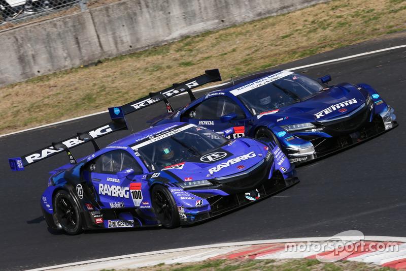 #100 RAYBRIG NSX-GTと#17 KEIHIN NSX-GT
