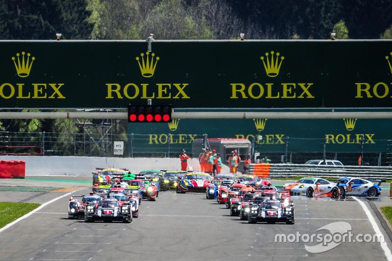 Start: #1 Porsche Team, Porsche 919 Hybrid: Timo Bernhard, Mark Webber, Brendon Hartley, in Führung