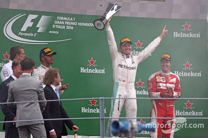 Podio: Nico Rosberg, Mercedes AMG F1 Team