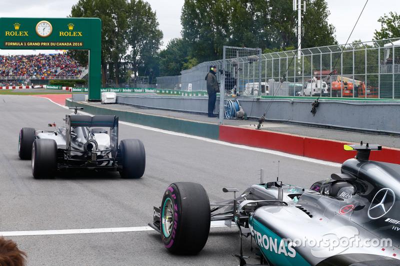 Ніко Росберг, Mercedes AMG F1 W07 Hybrid та Льюїс Хемілтон, Mercedes AMG F1 W07 Hybrid на стартовій решітці