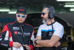 Rob Huff, All-Inkl Motorsport, Citroën C-Elysée WTCC, Yvan Muller, Polestar Cyan Racing