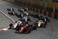 Pedro Piquet, Van Amersfoort Racing, Dallara Mercedes, Guan Yu Zhou, SJM Theodore Racing by Prema, Dallara Mercedes