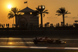 Sebastian Vettel, Ferrari SF70H sparks
