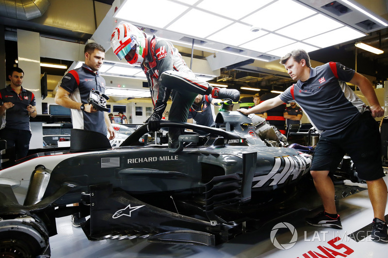 Antonio Giovinazzi, Haas F1 Team VF-17, con el Halo