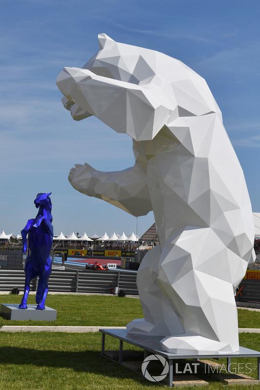 Pit lane sculpture