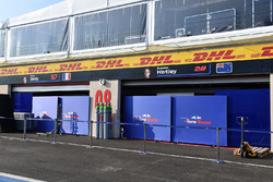 Scuderia Toro Rosso garage and screens